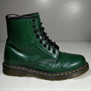 Dr Martens Airwair size EU39 US8 Green Boots